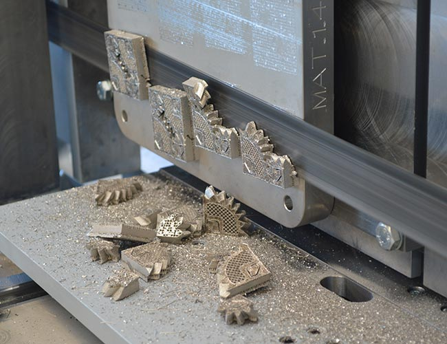 Special solution for 3D metal printing plates